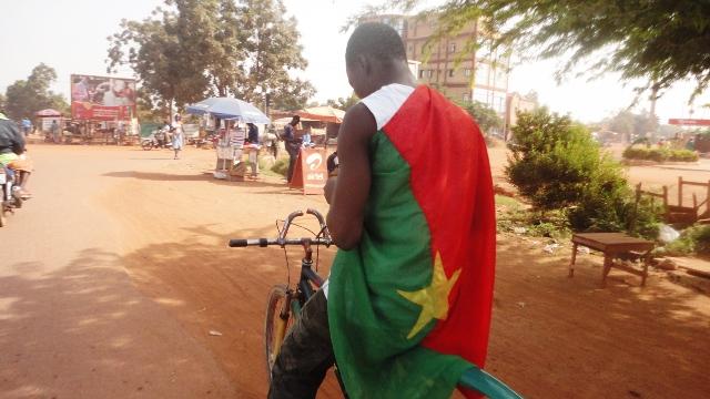 Un supporter des Etalons dans la matinée du samedi 12 octobr 2013 à Ouagadougou (Ph : B24)