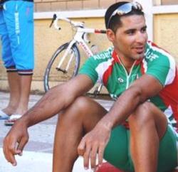 Abdelbaset Hannachi s'est imposé au sprint (facyclisme.dz)