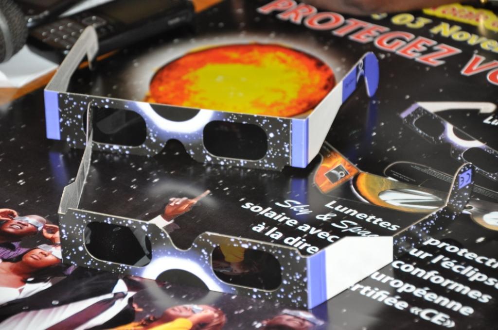 Les lunettes d'éclipse de Lankpharma (Ph : Sidwaya)