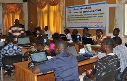 Une vue des participants à la session de formation. Ph.SPONG