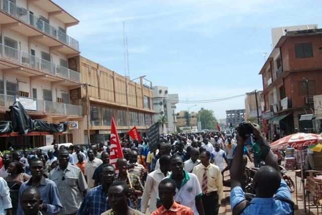 Manifestants de syndicats le 4 octobre 2013 à Ouagadougou  (Ph : B24)