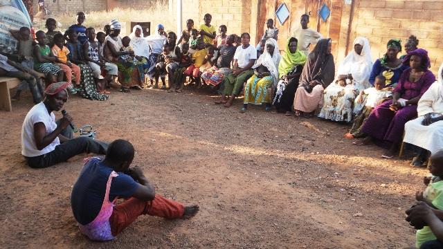 Théâtre-forum sur le VIH/SIDA et les avantages du dépistage volontaire à Nagrin (Ph : B24)