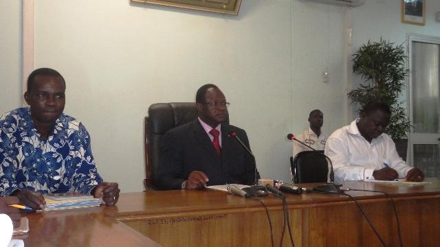 """Le ministre de la Fonction publique Vincent Zakané juge cette agression """"inacceptable"""" (Ph : B24)"""