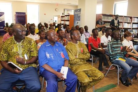 Le public était présent à l'ambassade pour entendre le bilan du projet PACTE.