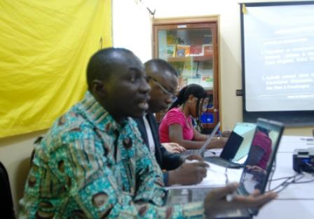 Au premier plan, Roger Minoungou et Christian Ouédraogo, animateurs du point de presse de ce mardi 10 décembre 2013. © BURKINA 24