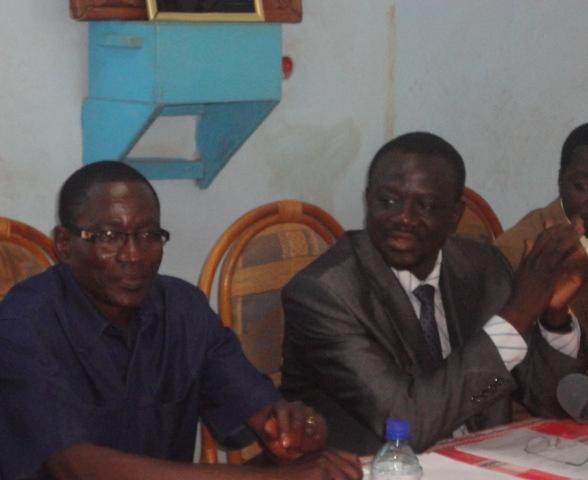 Fidèle  Kientéga (à gauche) avec le président de l'UNIR/PS, Me Bénéwendé Sankara (Ph :B24)