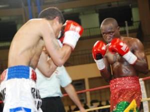 Alxeis Kaboré dit Yoyo a fait brillé la boxe burkinabè durant  l'année 2014 en conservant son titre de champion d'Afrique UBA et en remportant le titre de champion du Monde WBA © Burkina 24