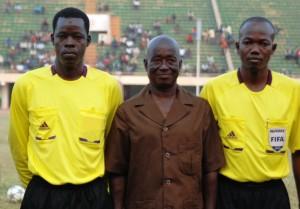 Ephrem Zio (a droite),  a arbtré avec brio le match Botswana # Tunisie