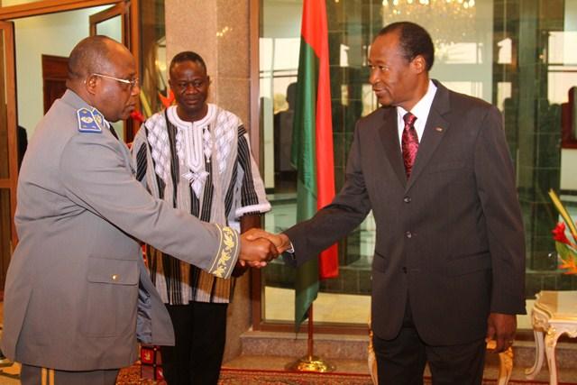 Le Président du Faso a officiellement remis les galons aux généraux. Ici, le désormais général de division Honoré Traoré (Ph : Présidence du Faso)