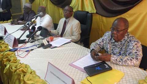 Les 4 médiateurs lors de la conférence de presse (Ph :Lefaso.net)
