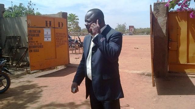 Anatole Bonkoungou au siège de son entreprise le 11 février 2014 (Ph : B24)
