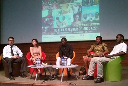 """Boris Zakowsky et Marine Leloup, lors de la présentation de l'événement """"L'Afrique en séries"""" le jeudi 13 février 2014. ©Burkina 24"""