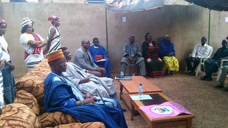 Le Laarlé Naaba et Lassané Sawadogo, au meeting du MPP ce dimanche 16 février au secteur 21. ©Burkina 24