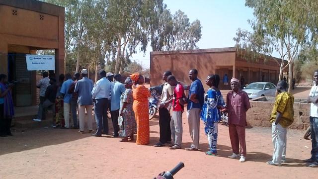 """L'affluence devant les bureaux de vote est """"bonne"""", selon le président de la CENI (Ph : B24)"""