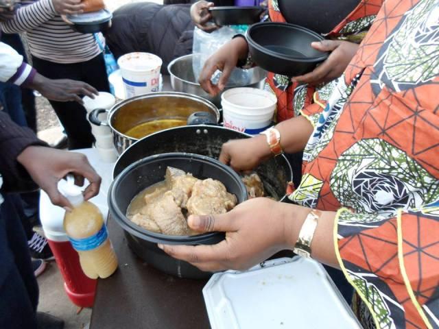 Les Burkinabè se sont rappelés les mets du terroir (Ph : DR)