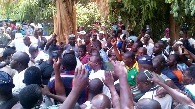 Anatole Bonkoungou accueilli en triomphe après la fin de l'élection (Ph : B24)