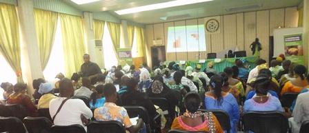 Les participants à la conférence publique (Ph : B24)