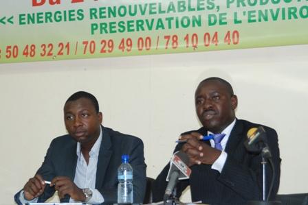 Check Omar Yéyé (droite) et Dr Bachir Ouedraogo (gauche)
