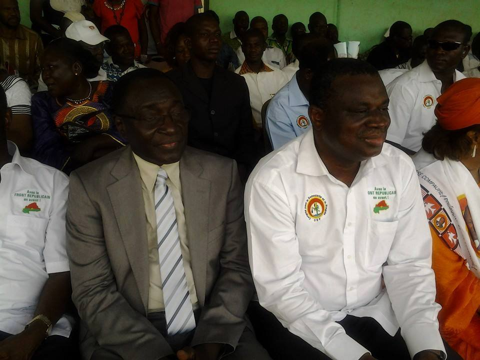 Au premier plan, Assimi Kouanda (droite) et Me Herman Yameogo (gauche) président du FR. Ph. Basseratou K