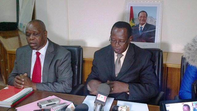Mathurin Bako, président de l'ARCEP (droite), a prévenu que c'est la fin de la phase des sanctions pécuniaires (Ph : B24)