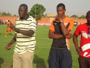 Seydou Zerbo dit Krol (gauche) a pour mission de maintenir le RCK en première division. Krol est assisté par Ibrahim Kano dit la clé