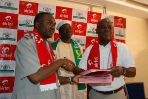 La FBF et Airtel Burkina se sont faits à nouveau confiance (ph. Burkina24)