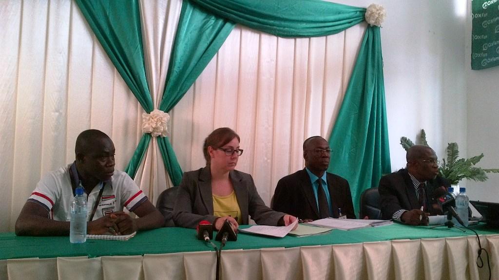 Les représentants des ONG à la conférence de presse ce mercredi (Ph : B24)