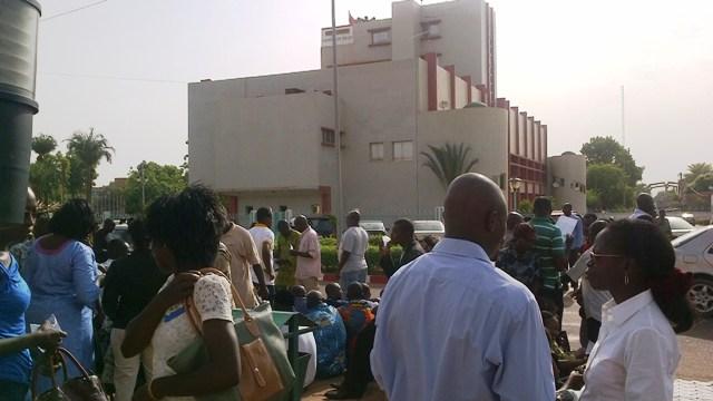 Les agents de la mairie de Ouaga étaient en sit-in ce 5 mai (Ph : B24)