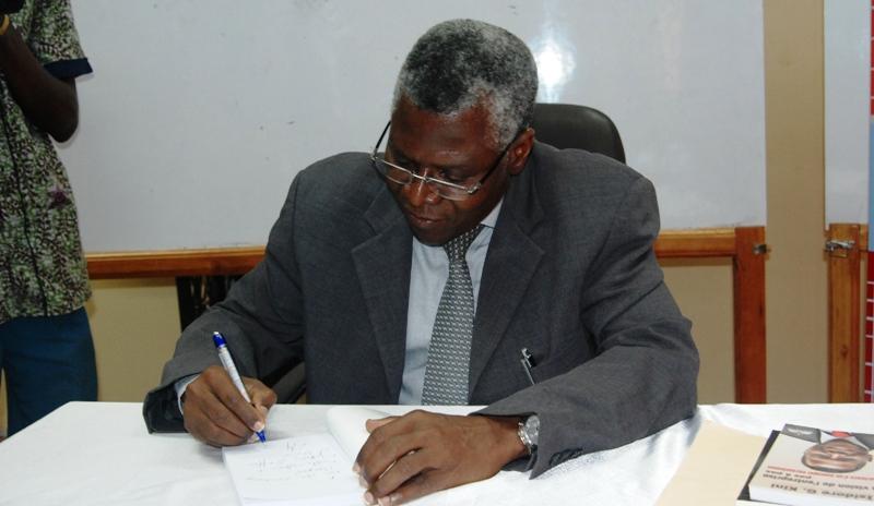 Isidore Kini-Dédicace ISIG (© Burkina24)