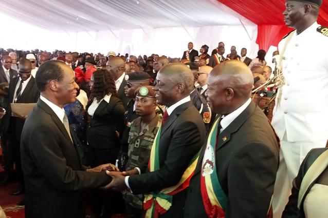 Le Chef de l'Etat burkinabè félicitant son homologue bissau-guinéen (© Présidence du Faso)