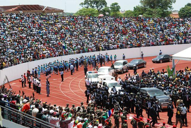 Le nouveau chef de l'Etat bissau-guinéen arrivant au stade du 28-septembre pour son investiture (© Burkina 24)