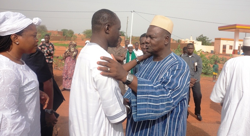 Condoléances du president du conseil regional à Gilbert Noel Ouédraogo, fils du defunt