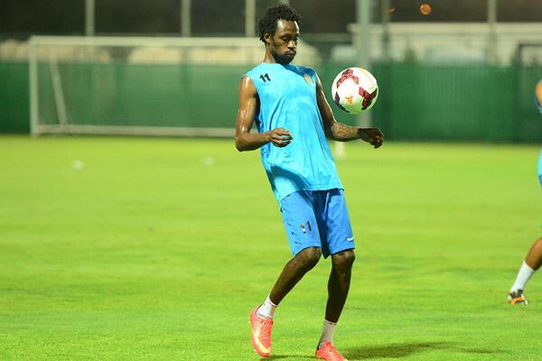 Jonathan Pitroipa a commencé les entraînements avec son nouveau club Al Jazira Club
