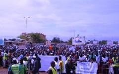 En direct : Marche-meeting de l'opposition contre le référendum