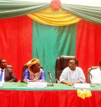 Les officiels lors de la ceremonie d'ouverture de la journée de la santé