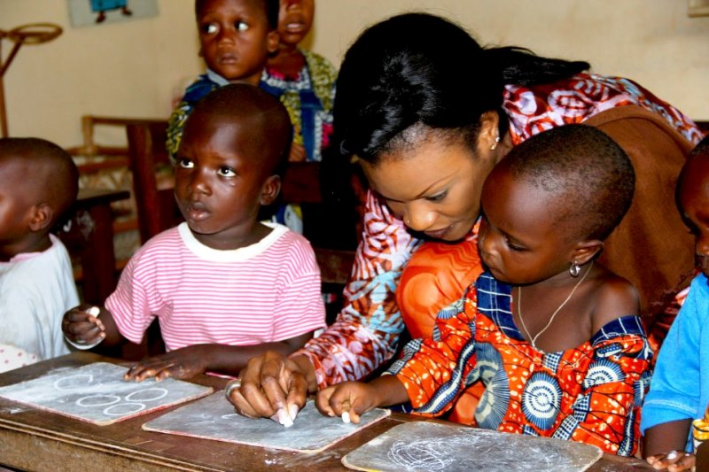 """"""" Je fais beaucoup de choses à côté, j'aide dans le social et je suis une mère au foyer"""" (© Burkina 24)"""