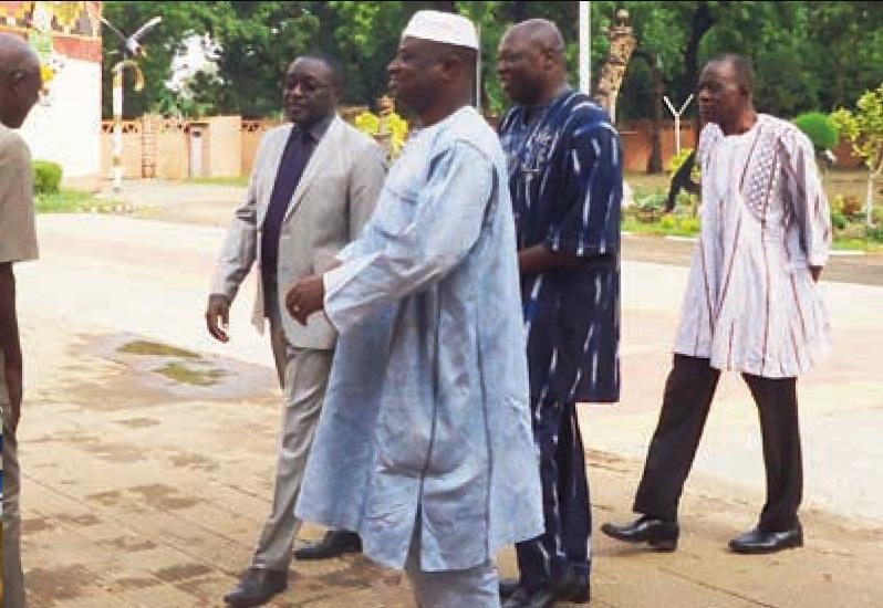 Les leaders du Front républicain lors de la visite au Mogho Naba (© DR)
