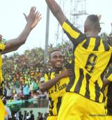 Issoufou Dayo (dossard 8) a contribué à la qualification de l'AS Club de Kinshasa en finale en marquant le but égalisateur