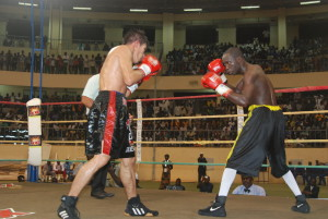 Alexis Kaboré dit Yoyo (droite) a su faire preuve de patience  pour venir à bout de son adversaire Sylvester Lopez
