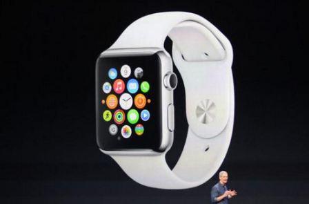 L'Apple Watch, la montre connectée avec un cadran rectangulaire lors de la présentation