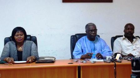 Le podium lors de la conférence de presse (© Burkina24)