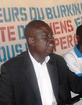 Le président de la ligue des consommateurs du Burkina, Section du Kadiogo, Serge Horace Bambara (© Le Quotidien)