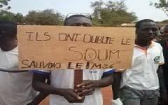 Djibo : Des manifestants réclament le bitumage de la route Djibo-Kongoussi
