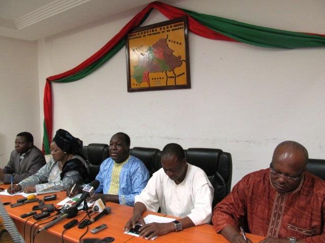 Les responsables du CFOP lors du point de presse (© A. Nabaloum/Le Reporter)