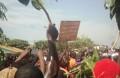 De nombreux manifestants ont répondu présents à l'appel de l'opposition avec des pancartes. (©Burkina24)