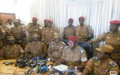 Burkina : L'Assemblée et le gouvernement dissous, couvre-feu (armée)