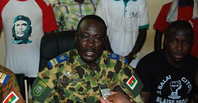 Les Forces vives de la Nation et les Forces armées nationales suspendent la constitution
