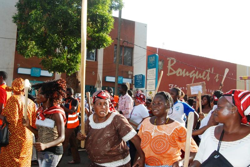 Une manifestante (© Burkina 24)
