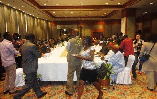 Les différentes parties se sont rencontrées en séance plénière, ce lundi 10 novembre à l'Hôtel Laïco de Ouagadougou.