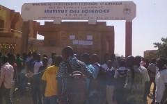Institut Des Sciences: Les élèves-professeurs demandent le départ du directeur général